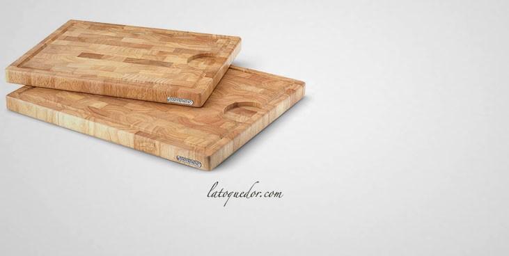Planche à découper avec rigole en bois debout d'hévéa