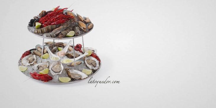 Ensemble plateaux de fruits de mer avec support