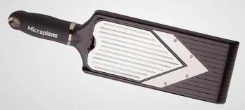 Mandoline Microplane coupe V avec accessoire julienne
