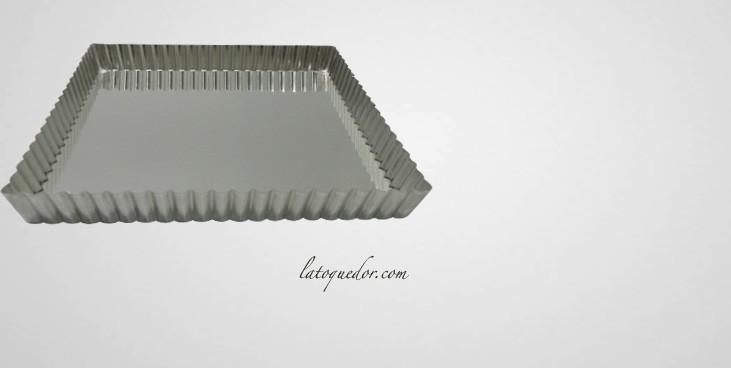 Moule à tarte carré mobile fer blanc